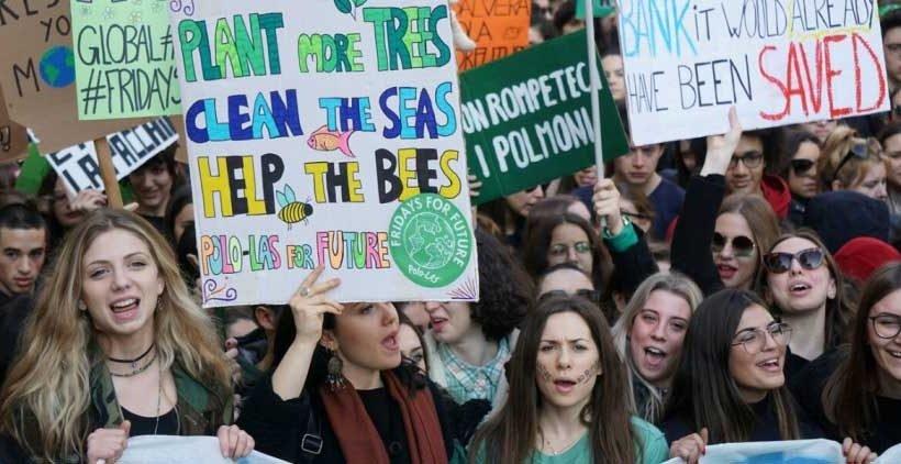 Gli universitari accanto a Greta: dalla Francia un nuovo movimento europeo